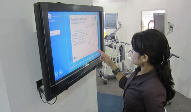 GE Educates Visitors using MultiTouch Display