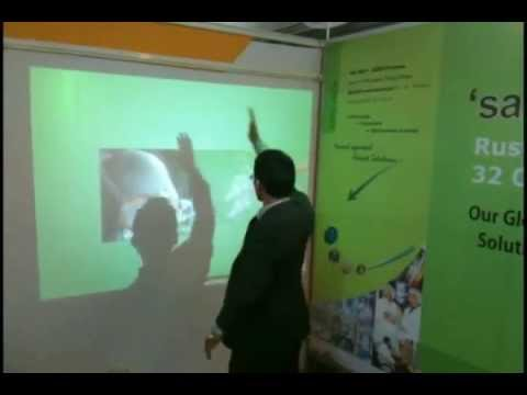 Autoexpo 2010: Interactive Wall Projection System