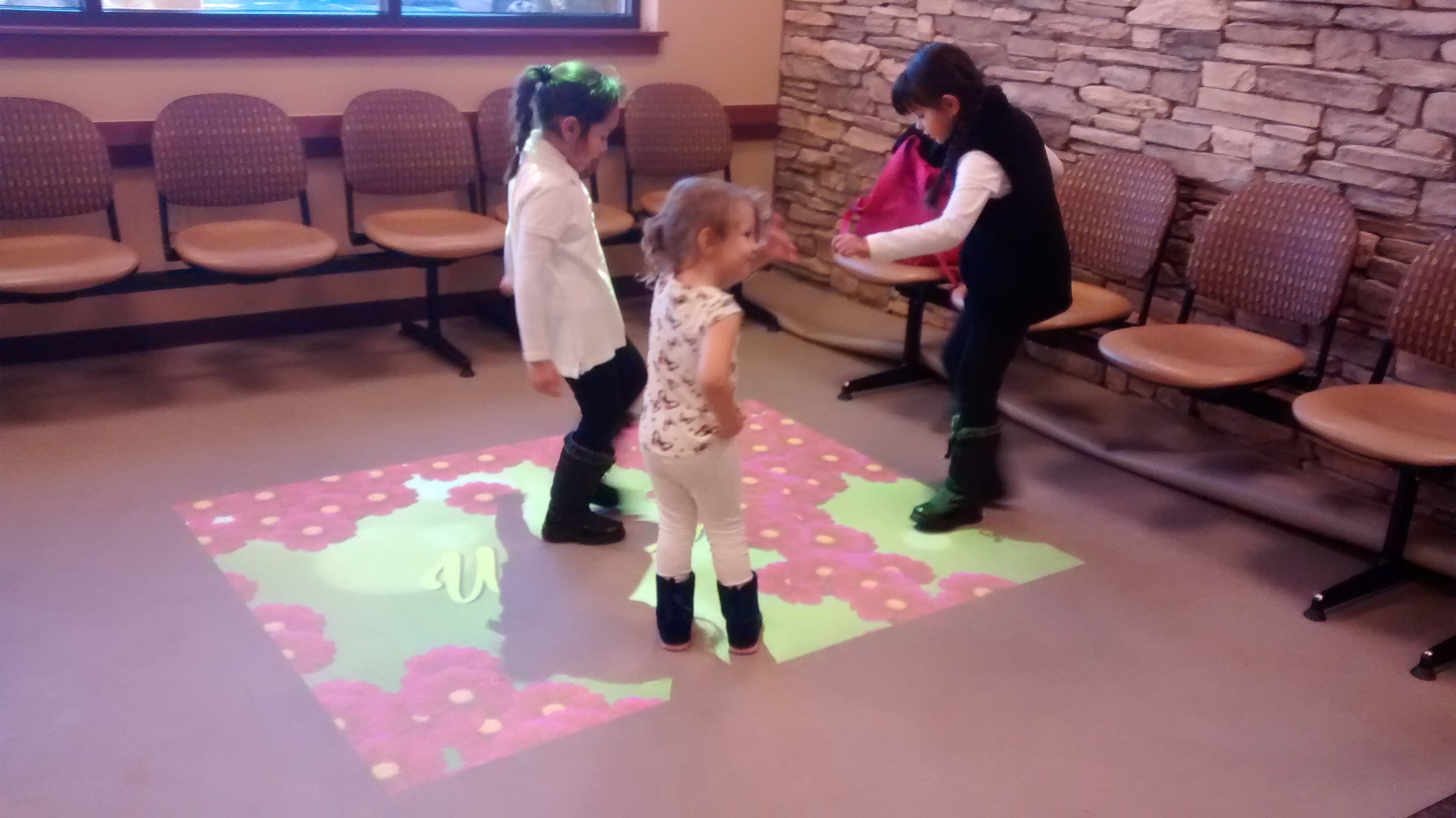 interactive-floor-for-children-hospital-2